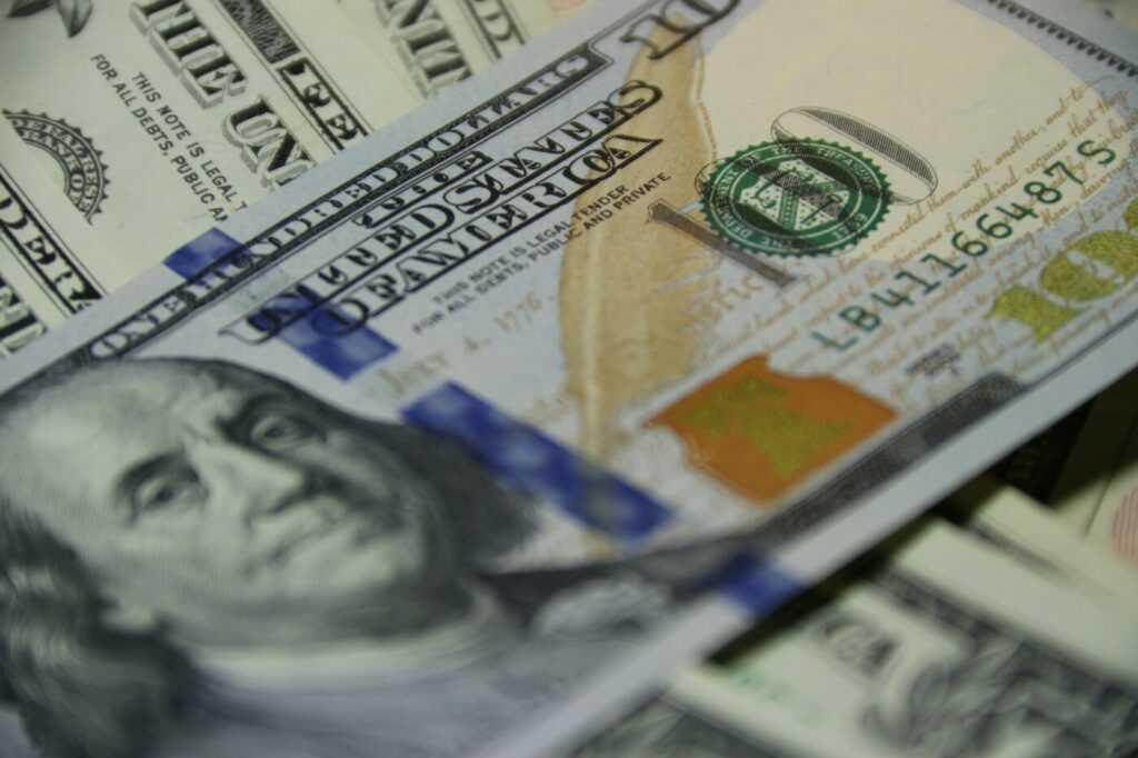 How do I get rich trading stocks?